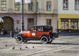 Descoperă frumusețile Sibiului la volanul unei mașini clasice
