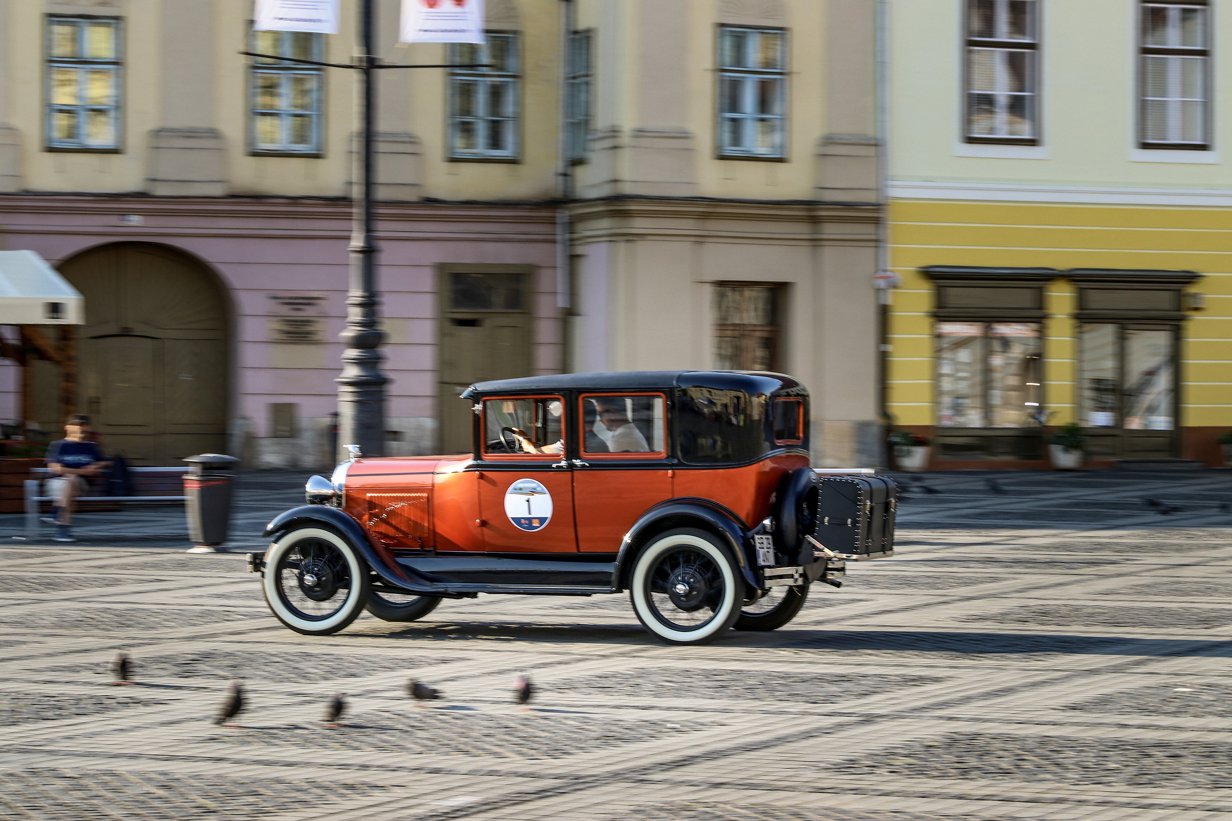 Discover the beauties of Sibiu at the wheel of a classic car